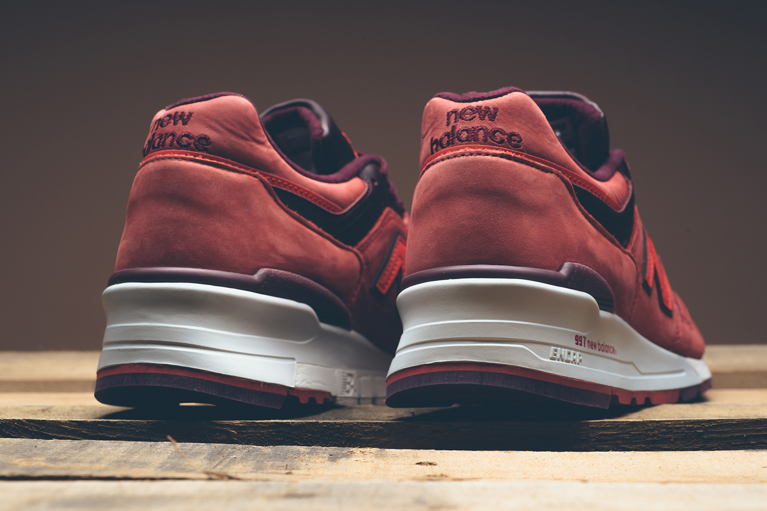 new-balance-997-red-clay-horween-06