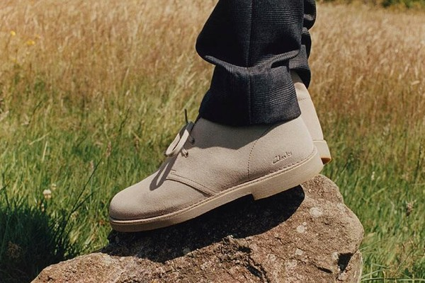 замшевые ботинки дезерты clarks desert boots